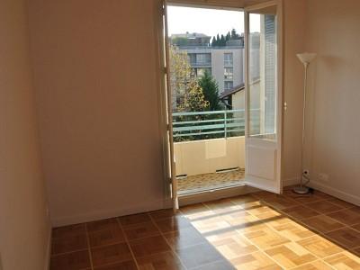 APPARTEMENT T2 A LOUER - CALUIRE ET CUIRE - 35,13 m2 - 727 € charges comprises par mois