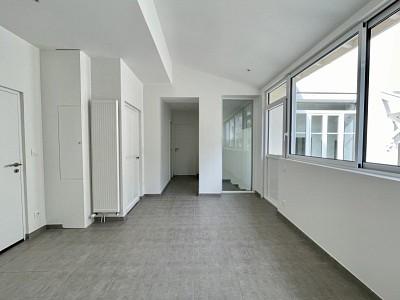 APPARTEMENT T2 A LOUER - CALUIRE ET CUIRE - 62,55 m2 - 990 € charges comprises par mois
