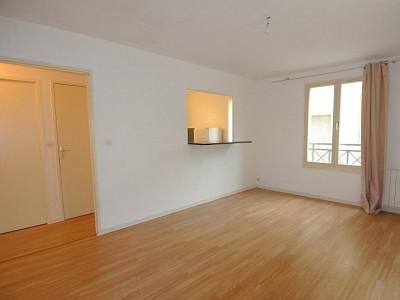 APPARTEMENT T2 A LOUER - ST GENIS LAVAL - 48,96 m2 - 600 € charges comprises par mois