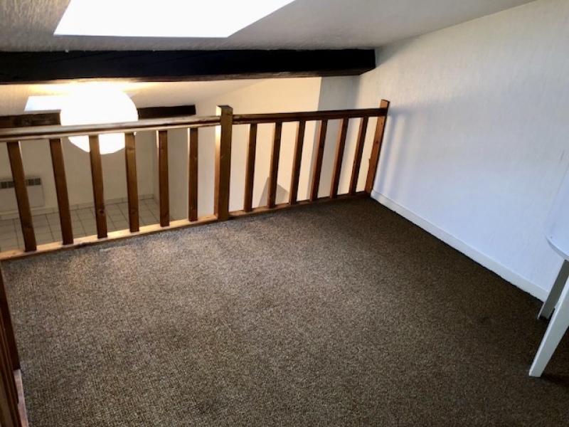 studio a louer lyon 3 14 7 m2 437 charges comprises par mois immobilier lyon 3eme. Black Bedroom Furniture Sets. Home Design Ideas