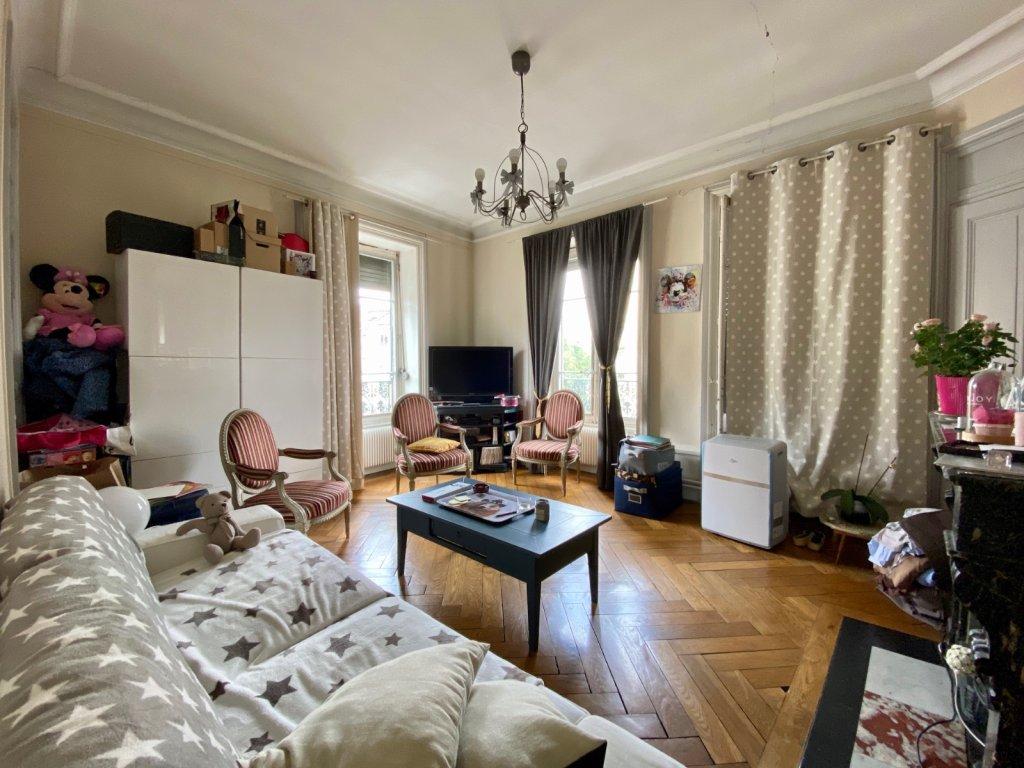 APPARTEMENT T3 A VENDRE - LYON 7EME ARRONDISSEMENT - 72,42 m2 - 345000 €
